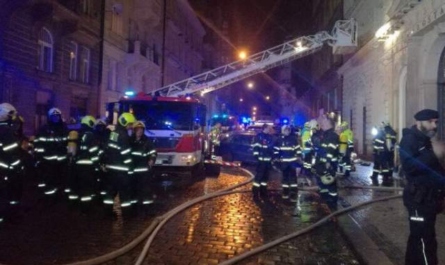 В центре Праги горит гостиница: по меньшей мере двое погибших