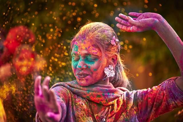 Праздник Холи: как красочный праздник Индии заполонил мир