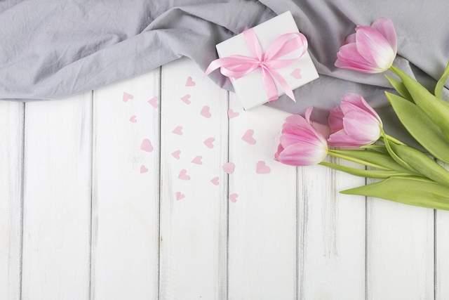 С праздником 8 марта: что пожелать жене, маме, сестре и бабушке