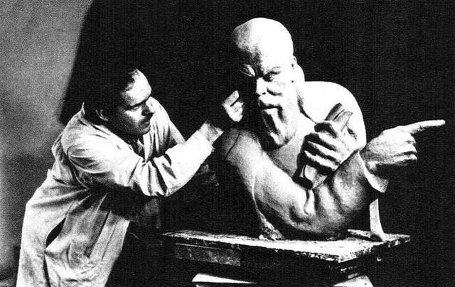 Александр Архипенко – украинский скульптор, чьи работы продаются за миллионы долларов
