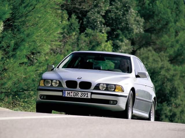 BMW 5-Series E39 «на бляхах» — доступный драйв