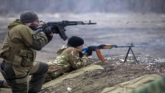 Пророссийские боевики 52 раза обстреляли позиции ВСУ: есть раненые