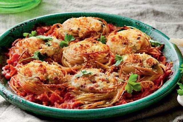 Спагетти с фаршем и сыром поразят своим вкусом каждого
