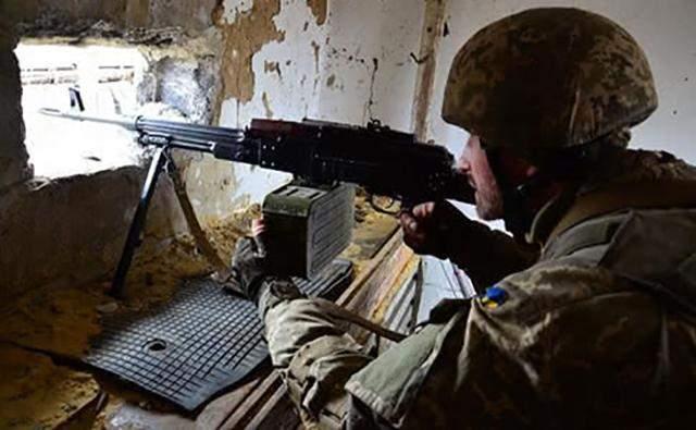 Ситуация на Донбассе остается сложной: Украина понесла потери в боях