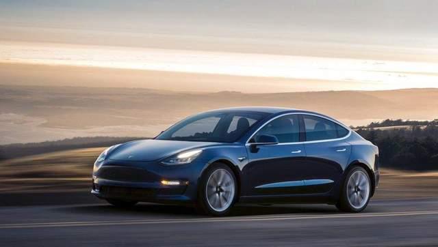 Илон Маск рассказал, когда выйдет самая дешевая Tesla