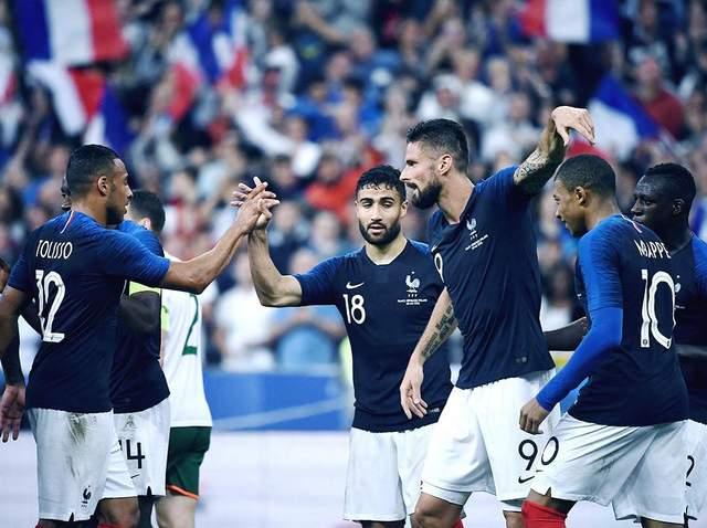 Франция дома уверенно победила Ирландию