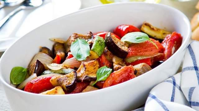 Вкусный рататуй за 15 минут: простой рецепт блюда на сковороде