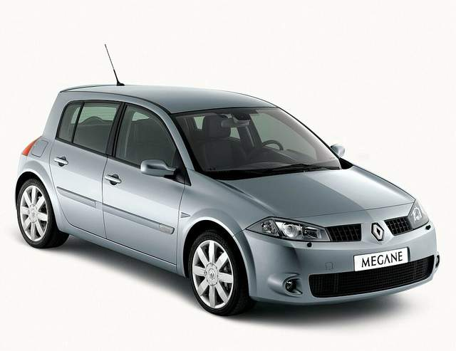 Renault Megane II «на бляхах» — недорогой риск