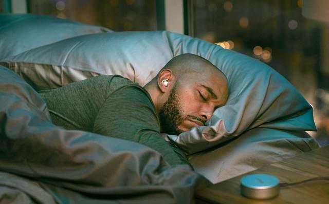 Компания Bose представила наушники для сна sleepbuds: особенности новинки