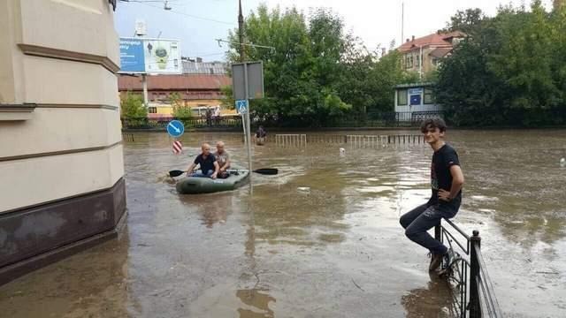 Затопленный Львов: как город приходит в себя после непогоды