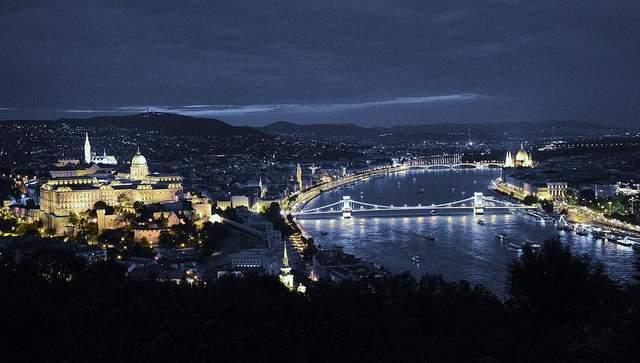 «Горшок в дыре» и «ёжик под диваном»: практические советы туристу, как «переварить» Будапешт