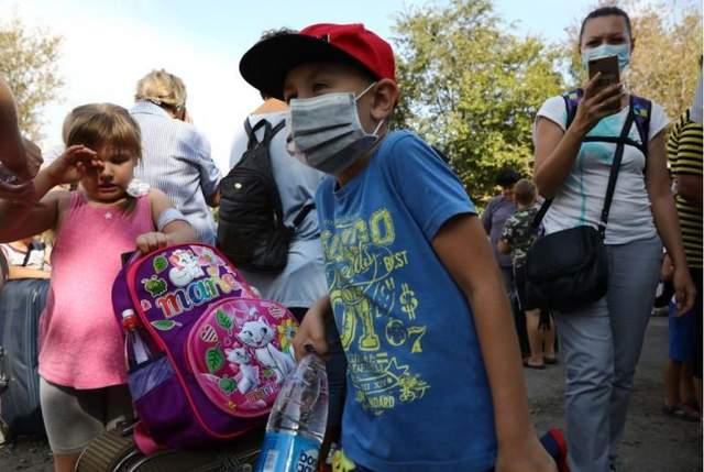 Детям Армянска плохо: жители отравленного города бьют тревогу в соцсетях
