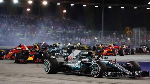Формула-1: Хемитон победил на гран-при Сингапура