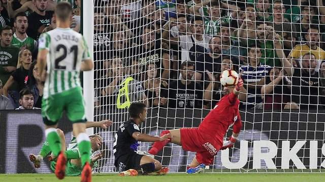 Конкурент Лунина уже добыл для испанского клуба 3 очка – он оценил украинца, которому не дает никаких шансов