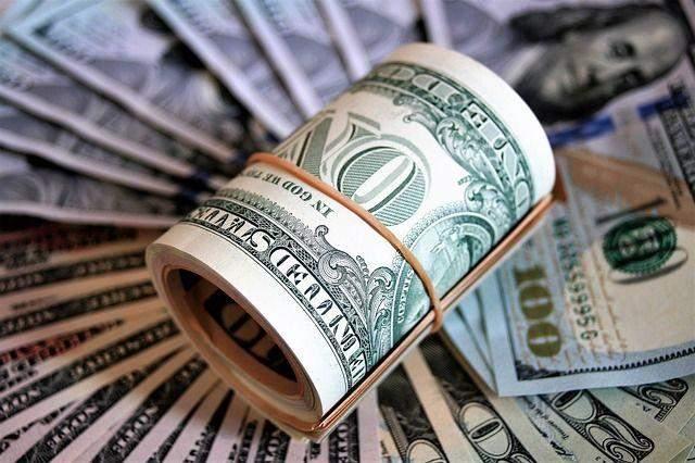 Наличный курс валют 12 октября: доллар продолжает дешеветь