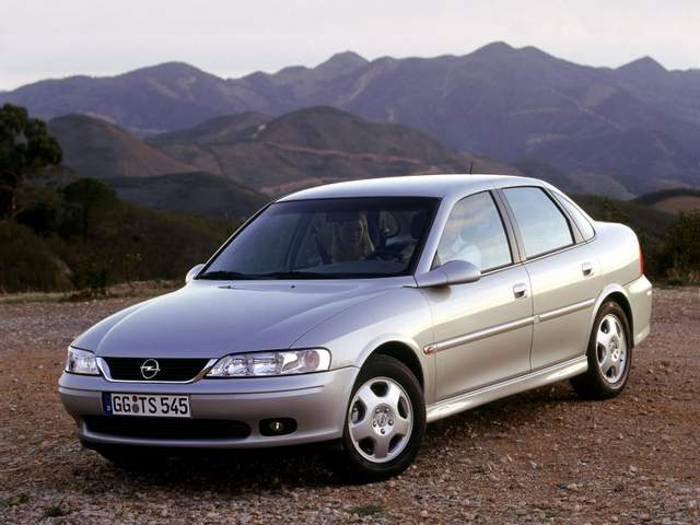 Opel Vectra B «на бляхах» — рискованный ход