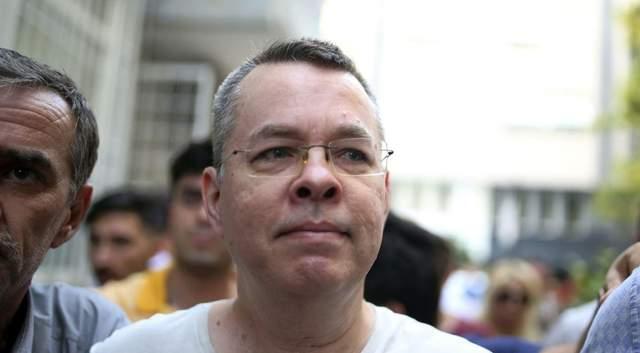 Турция назвала освобождение американского пастора Брансона независимо принятым решением