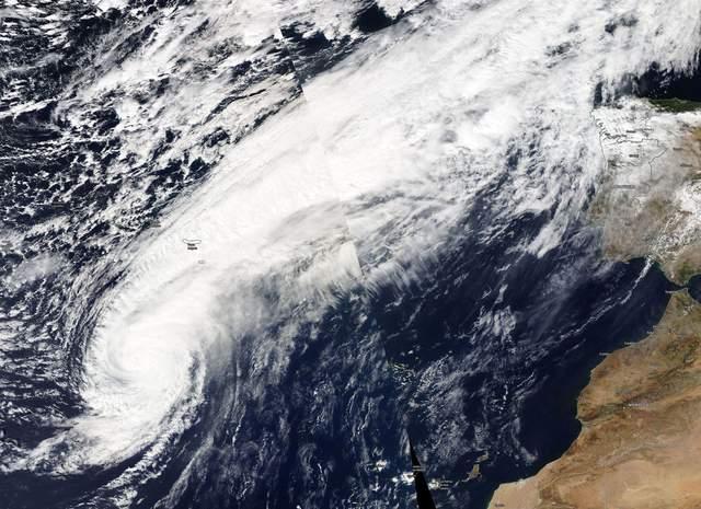 На Европу надвигается мощный ураган «Лесли»: известно, по каким странам он ударит