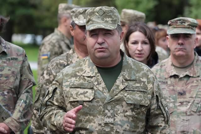 Полторак уволен с военной службы: он будет руководить Минобороны как гражданское лицо