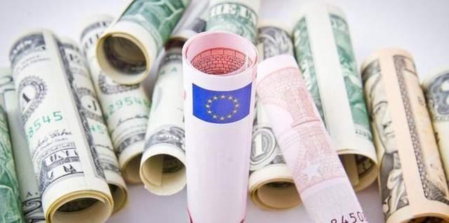 Наличный курс валют 16 октября: евро и доллар почти не изменились