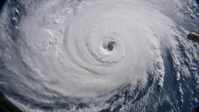 В Тихом океане бушует ураган четвертой категории «Уилла»