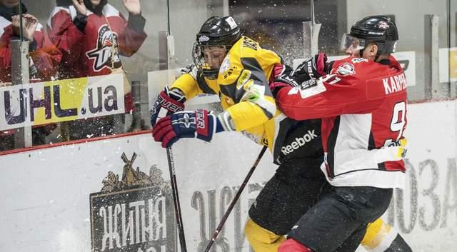 «Динамо» проигрывает «Днепру», «Донбасс» всухую побеждает «Белый Барс»: видеообзоры матчей УХЛ