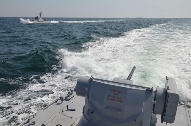 Нападение на украинские корабли в Азовском море: последние новости