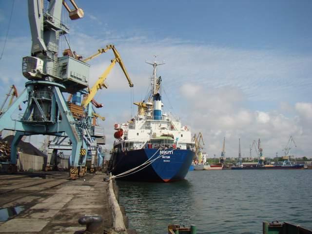 Конфликт в Азовском море: что происходит в портах Мариуполя и Бердянска