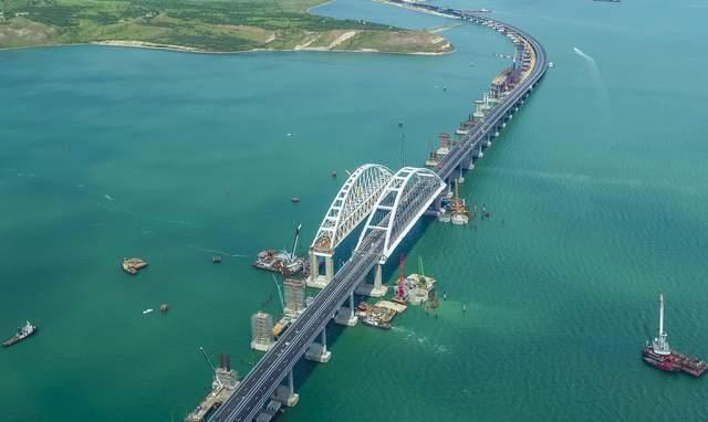 Обрушение Крымского моста может привести к катастрофе, – Тука