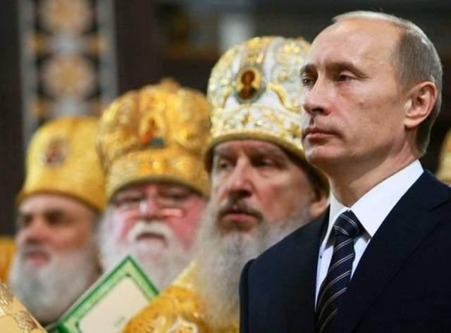 Цинизма больше, верующих меньше: как в России привлекают людей к РПЦ