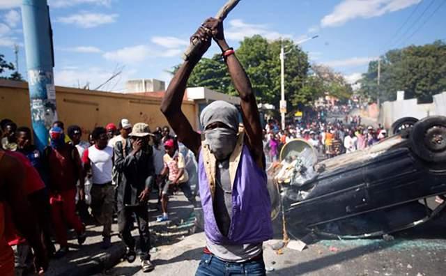 «Да здравствует Путин»: в Гаити обострились протесты с нотками «русского мира»