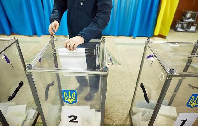 Порошенко подписал закон о запрете наблюдателей из РФ на выборах в Украине