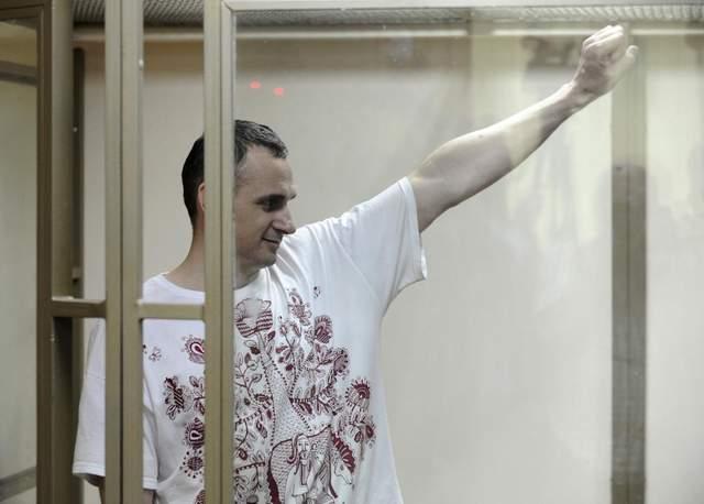Активно работает даже в таких адских условиях, – сестра Сенцова о жизни брата в колонии РФ
