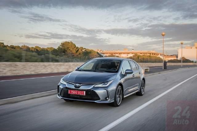 Тест-драйв Toyota Corolla: гибридное будущее