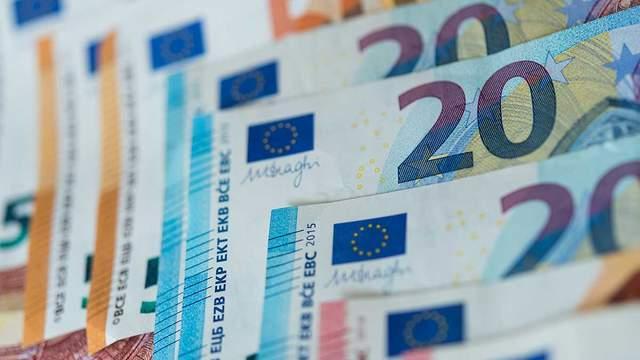 Наличный курс валют 11 марта: евро продолжает стремительно дешеветь