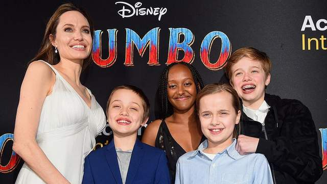 Редкий выход: Анджелина Джоли с детьми пришла на кинопремьеру