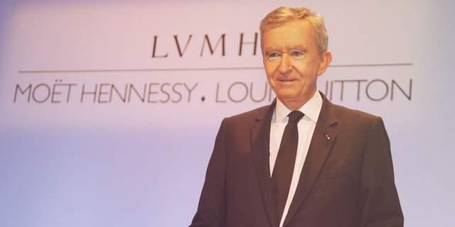 """Самый богатый человек Европы и владелец Louis Vuitton может купить """"Милан"""""""