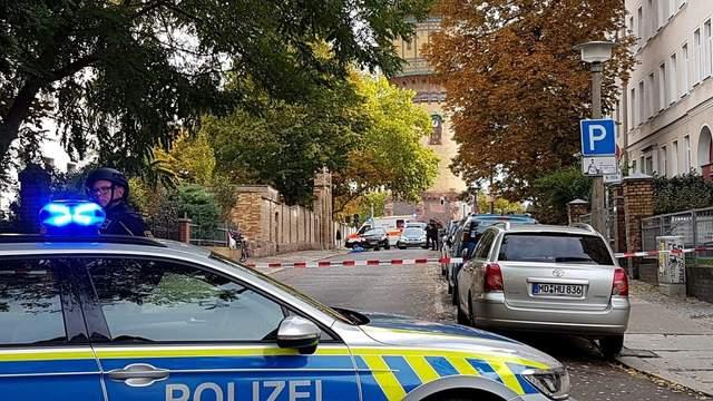Стрелок, напавший на синагогу в Германии, вел прямую трансляцию в интернете