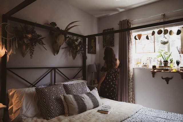 У спальні в стилі
