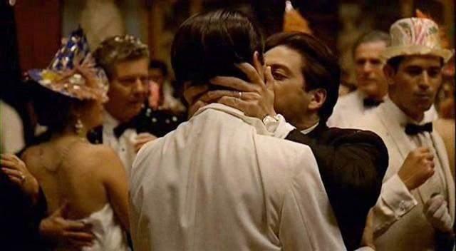 Сцена поцілунку у фільмі