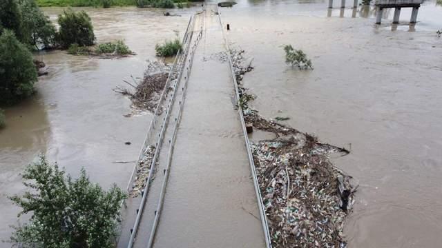 затопило міст, Буковина