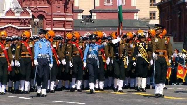 Индусы на параде