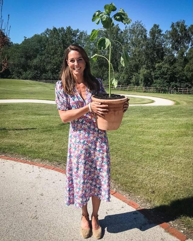 Кейт Міддлтон у сукні з квітковим принтом