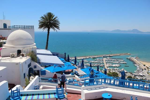 Туніс відкрив туристичний сезон