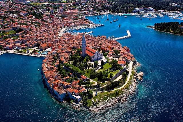 Хорватия принимает туристов