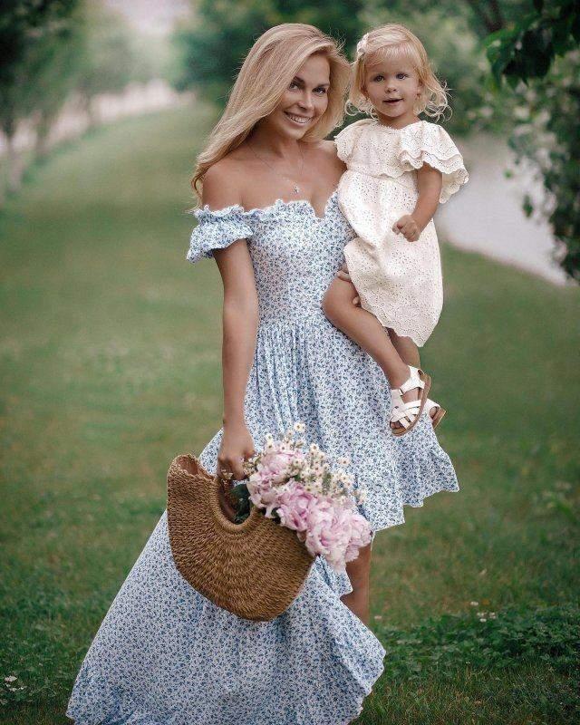 Певица Юлия Думанская снялась в волшебной фотосессии со своей дочерью