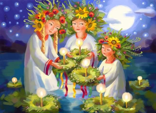 У ніч на Івана Купала дівчата пускають на воду плетені вінки