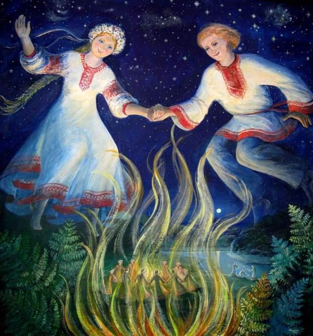 Закохані пари на Івана Купала мають перестрибнути через вогонь
