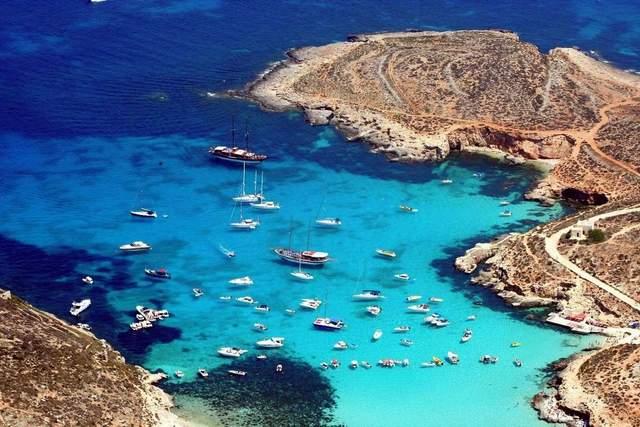 Голуба лагуна на Мальті