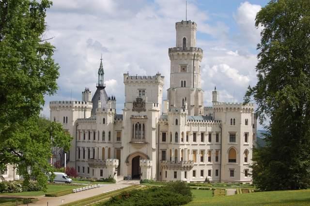 Замок Глубока над Влтавою